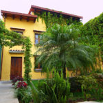Hotel-Casa-Rustica-Antigua-Guatemala-patio11