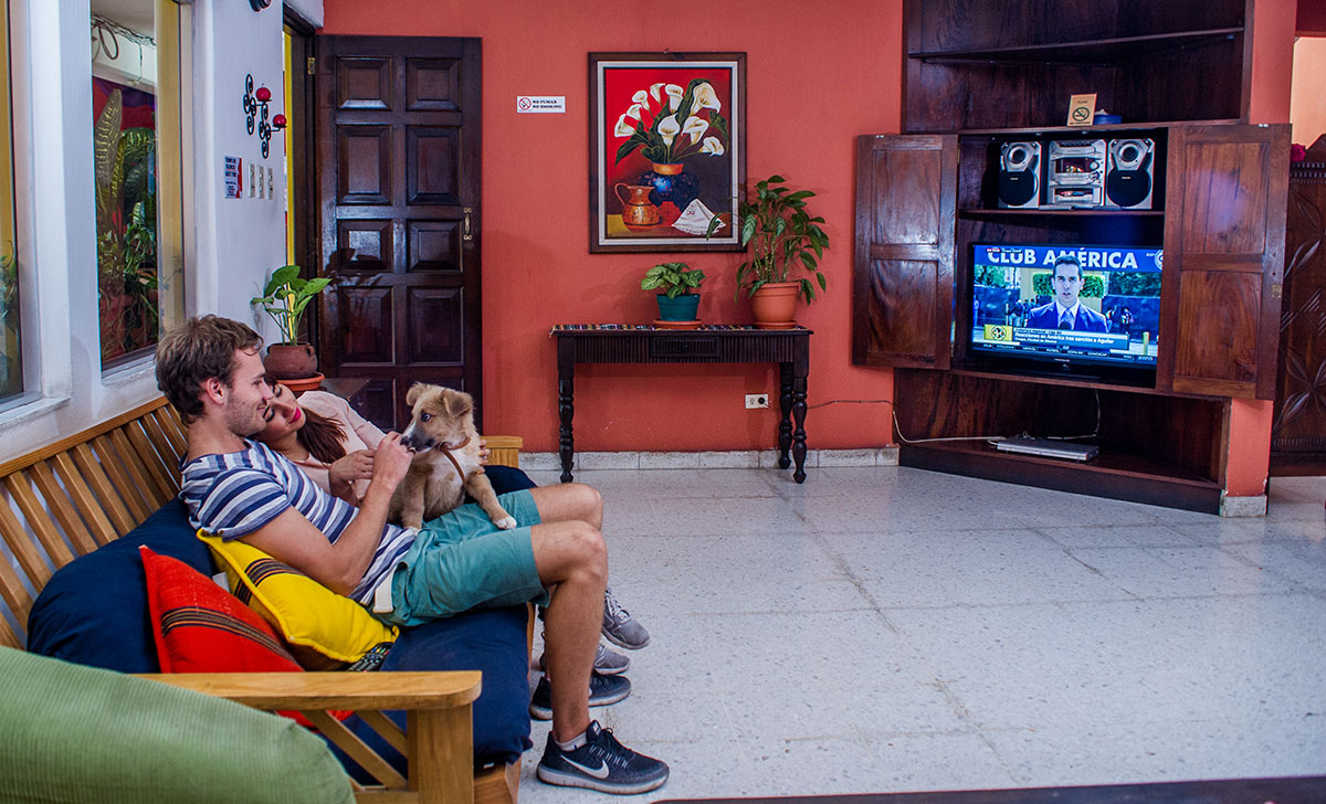 hotel with tv room in antigua guatemala
