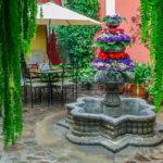 Hotel-Casa-Rustica-Antigua-Guatemala-patio-1