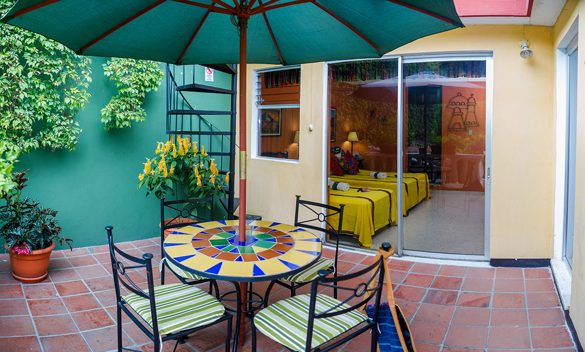 hotel with patio in antigua guatemala